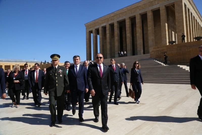 Foreign Minister Mevlu00fct u00c7avuu015fou011flu, accompanied by ambassadors in Ankara, visits the Anu0131tkabir mausoleum in Ankara, Turkey on Monday, August 13, 2018. (AA Photo)