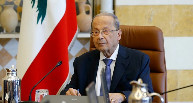 الرئيس اللبناني يشدد على ضرورة تأمين عودة النازحين السوريين إلى بلادهم
