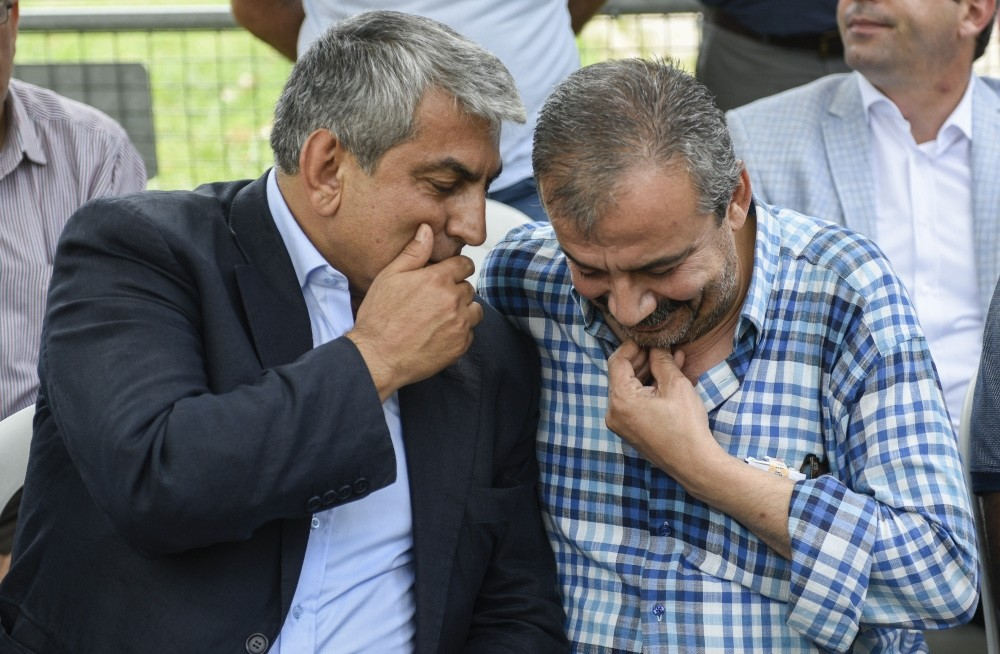 CHP Istanbul branch head Cemal Canpolat (L) and HDP Deputy Su0131rru0131 Su00fcreyya u00d6nder.