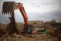 825 Palestinians displaced in 2017 after Israel razed 420 structures