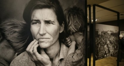 pA California museum is showcasing the photographs of Dorothea Lange, whose work highlighted the lives of impoverished migrants and unemployed laborers during the U.S. Great Depression and Japanese...