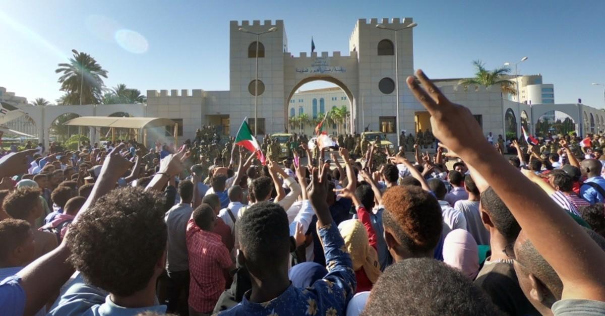 Demonstrators take part in a protest demanding the departure of Sudanese President Omar al-Bashir, outside the military headquarters in the capital Khartoum, Sudan, April 7, 2019. (EPA Photo)