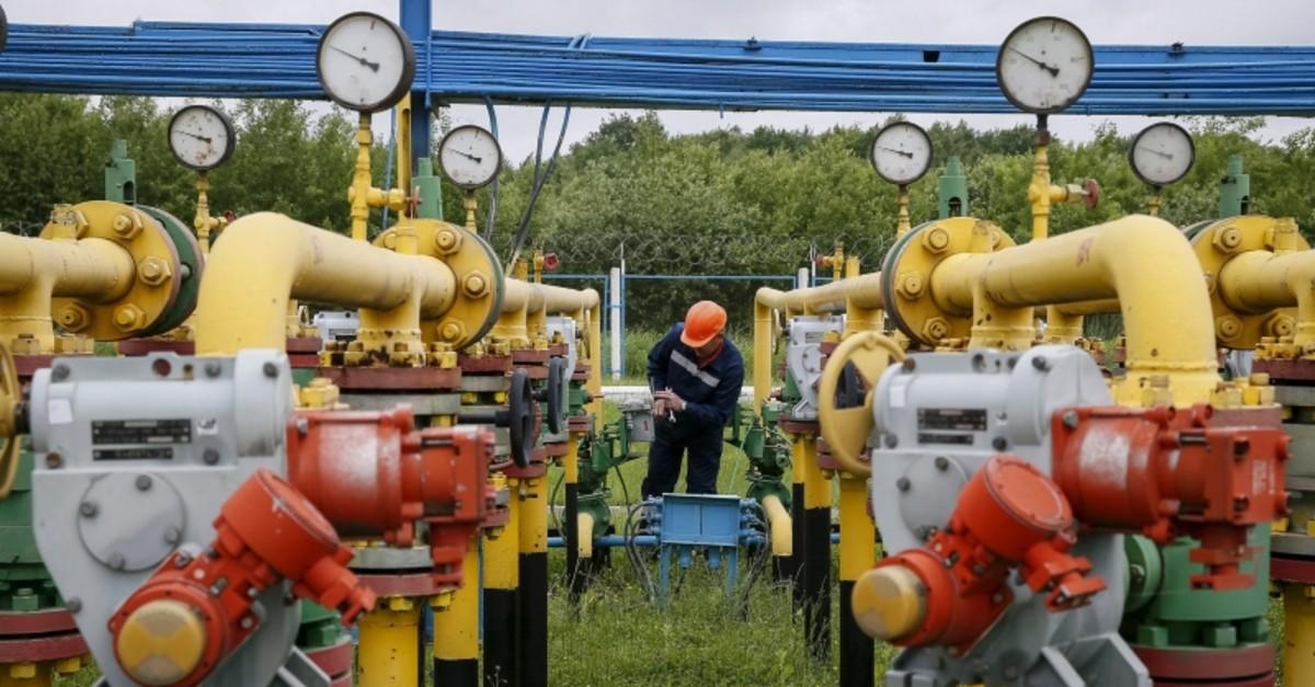 A worker checks equipment at an ,Dashava, underground gas storage facility near Striy, Ukraine, in this May 28, 2015 file photo. (Reuters Photo)