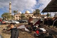 Twin car bombs rock Benghazi, Libya, dozens dead