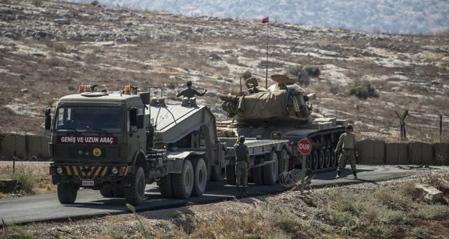 وصول تعزيزات عسكرية تركية جديدة إلى الحدود مع إدلب السورية