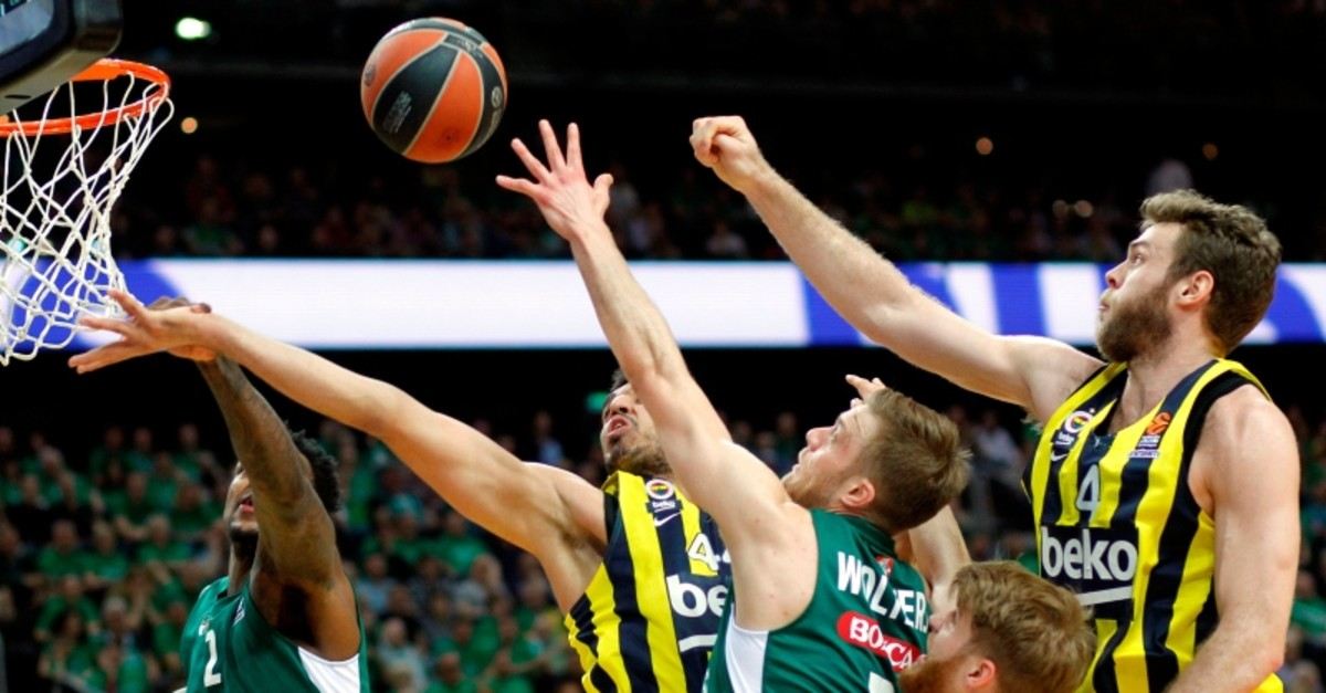 Deon Thomson (L), Nate Wolters (C) and Thomas Walkup (2nd R) of Zalgiris Kaunas and Nicolo Melli (R) and Ahmet Du00fcveriou011flu of Fenerbahu00e7e Beko in action during Euroleague playoffs game 4 between Zalgiris Kaunas and Fenerbahu00e7e Beko. (EPA Photo)