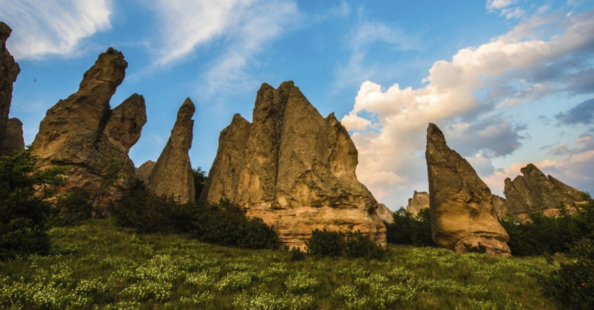 The attendees of the festival will get the chance to view the old towns, rock carved tombs and fairy chimneys.