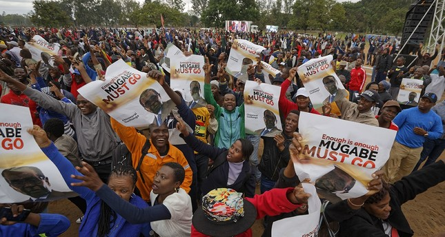 Simbabwe: Tausende fordern Mugabes Rücktritt