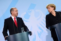 EU should stand stronger against terror, do its share for refugees, Erdoğan tells Merkel
