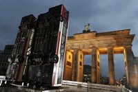 Bus barricade installed at Berlin's Brandenburg Gate in tribute to Aleppo