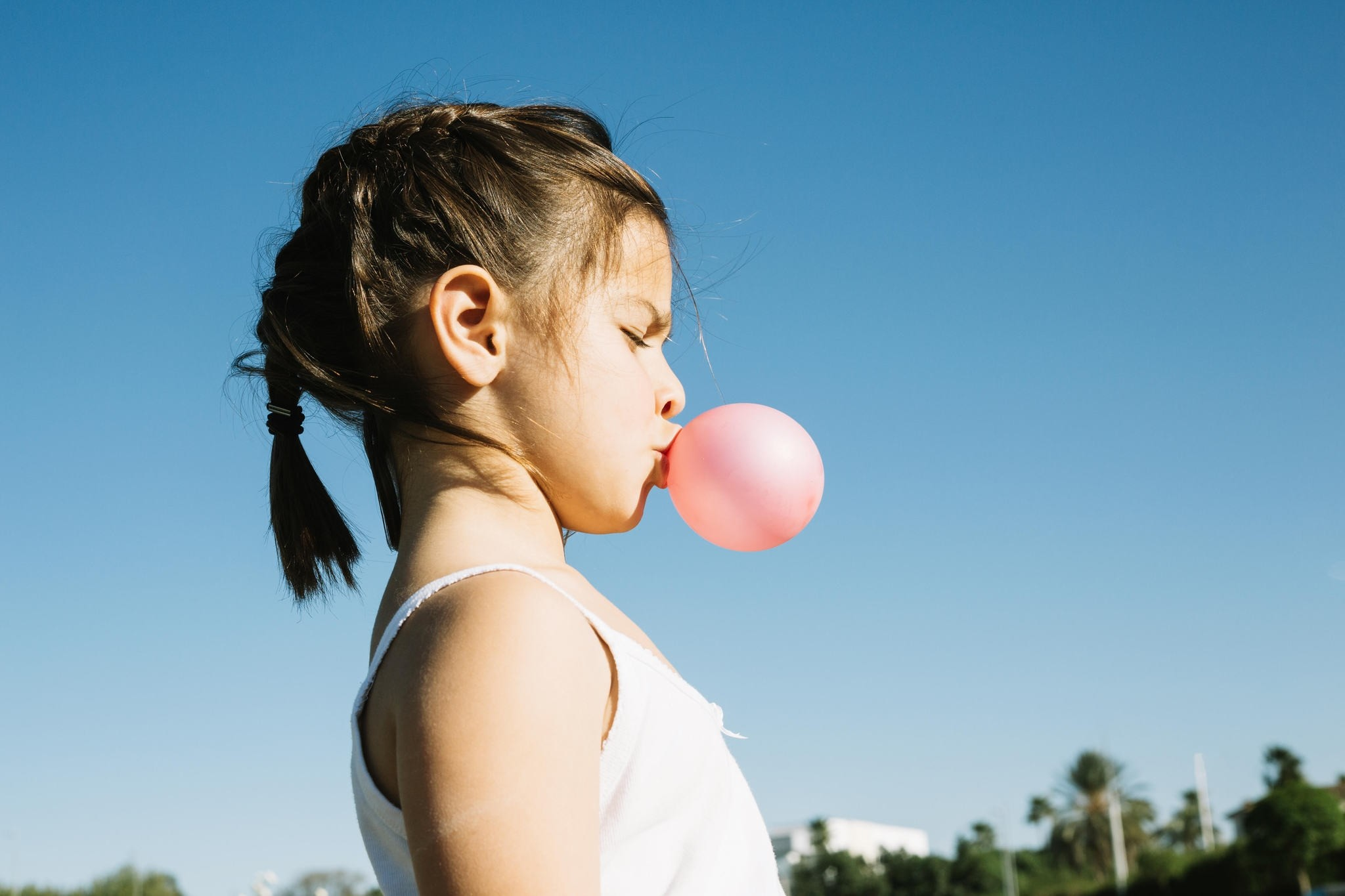 Children love chewing gums and in fact, a recent study shows that it increases their concentration as well.