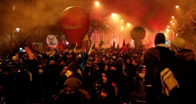 فرنسا.. نصف مليون متظاهر يشاركون في إضراب النقابات العمالية