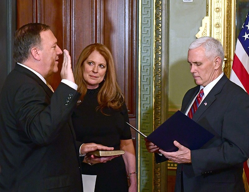 US Representative Mike Pompeo (L, Republican of Kansas) is sworn-in as Director of the Central Intelligence Agency (CIA) by US Vice President Mike Pence (R) in Washington, DC, USA on Jan. 23, 2017. (EPA Photo)