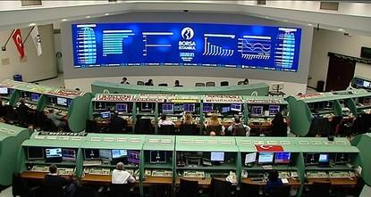 كشفت إحصائية نشرت، اليوم الثلاثاء، وجود ارتفاع كبير في مشتريات الأجانب ببورصة إسطنبول العامة خلال الشهر الأول من العام الجاري.  وأوضحت البيانات الرسمية أن الأجانب اشتروا أسهماً بقيمة 816 مليون...