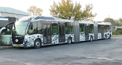 Istanbul tests new, larger metrobuses