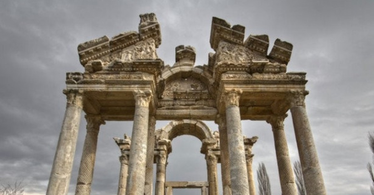 With giant sculptures and reliefs excavated, the ancient city of Aphrodisias welcomes history buffs and art lovers every year.