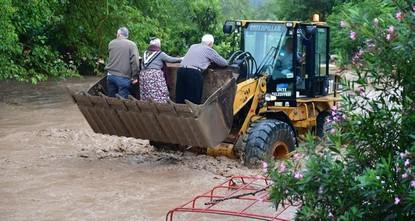 عقب السيول العارمة التي أصابت أوردو.. نائب الرئيس في زيارة ميدانية للولاية