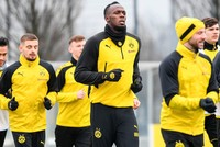 Usain bolts into football with Borussia Dortmund