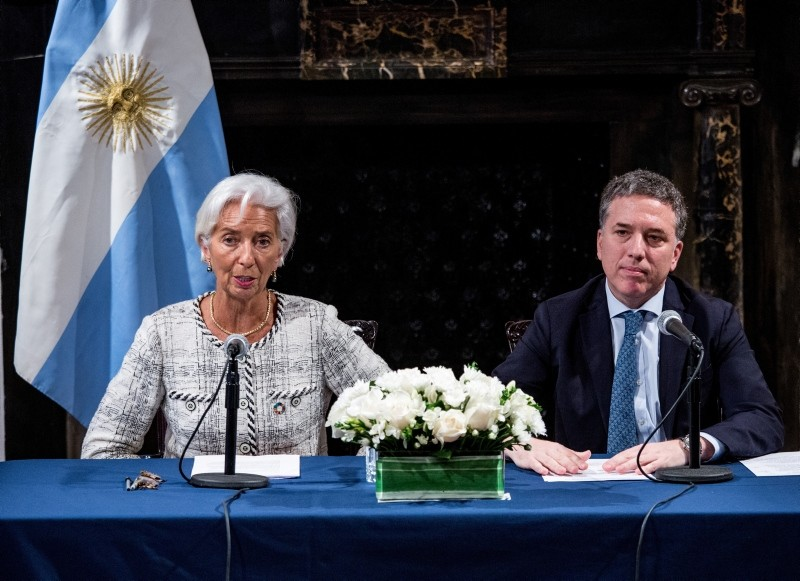 International Monetary Fund (IMF) Managing Director Christine Lagarde (L) and Argentine Economy Minister Nicolas Dujovne (R) during a press conference in the Argentinian Consulate in New York, New York, USA, 26 September 2018. (EPA Photo)