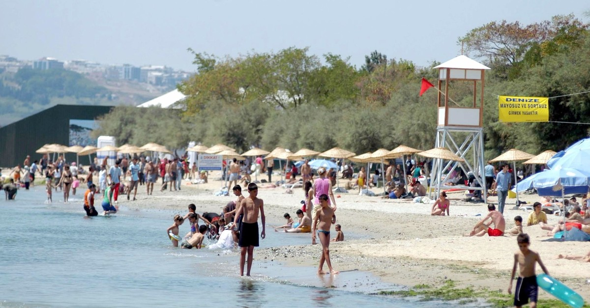 Meneku015fe Beach will be open to the public  starting from tomorrow.
