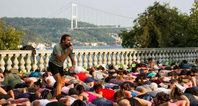 Yoga mit Aussicht auf den Bosporus