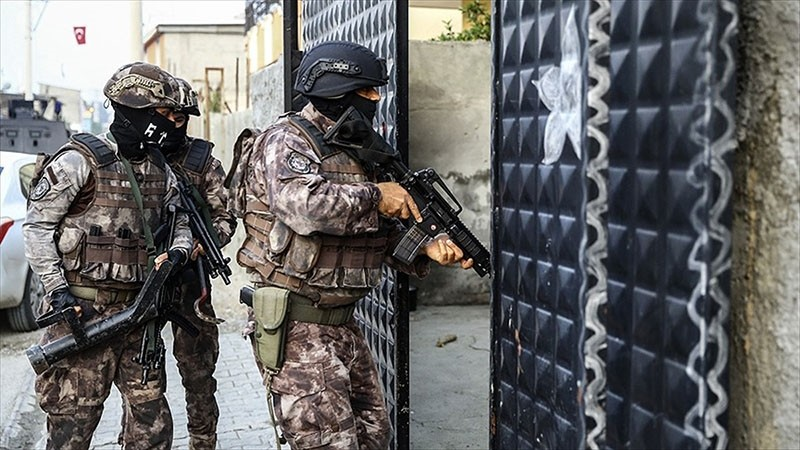 Anti-terror police squads carrying raids in Turkey in this file photo from May 5, 2017 (AA Photo)