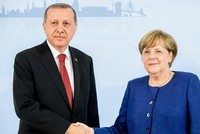 Erdoğan highlights importance of cooperation against terror in call with Merkel