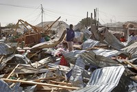 The toll has climbed to 39 dead in an unusually deadly suicide bombing at the weekend in the Somali capital Mogadishu, rescue workers said Monday, the first since a new president was chosen this...