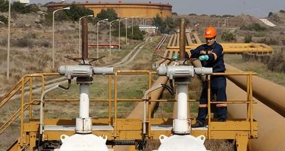 Oil falls 11 percent as fears over Iran, Saudi pacify