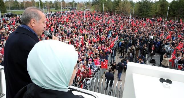 أردوغان يشيد بـالإشارات الجيدة للتصويت الكثيف لنعم في المحافظات الشرقية