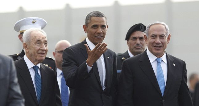 Obama (C) participates in a farewell ceremony with Israeli PM Netanyahu (R) and President Shimon Peres (L) in Tel Aviv, March 22, 2013. (Reuters Photo)
