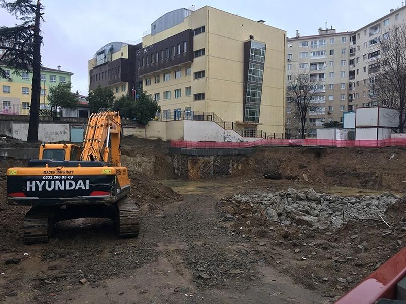 High school construction site, where the 2,000-year-old sarcophagus was found in Istanbul's Acu0131badem neighborhood (IHA Photo)