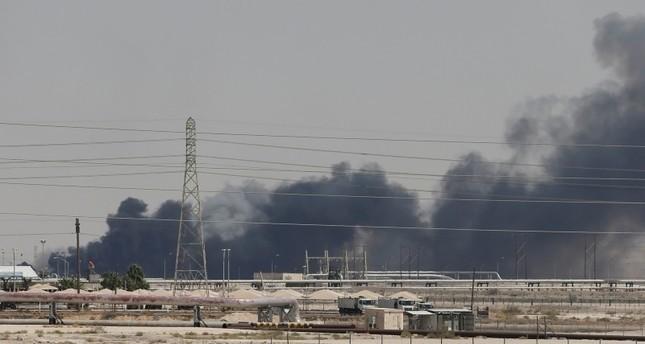 الحوثيون يهددون باستهداف منشآت أرامكو مجدداً ويحذرون الشركات الأجنبية