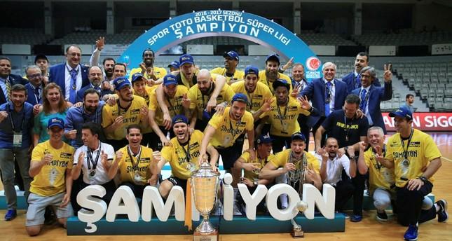 Fenerbahçe besiegt Beşiktaş und wird erneut türkischer Basketballmeister