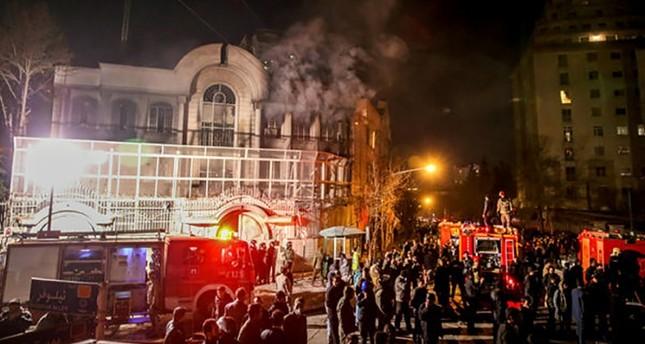 اقتحام السفارة السعودية في طهران في يناير/كانون ثاني 2016  (وكالة الأنباء الفرنسية)