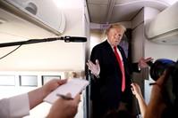 ترامب على متن الطائرة الرئاسية