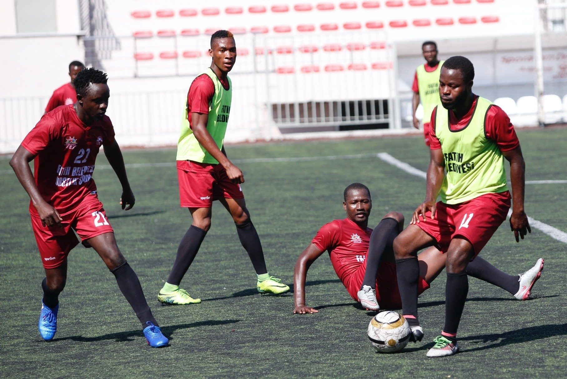 Tricked by human traffickers and brought to Turkey with dreams of playing for Turkeyu2019s top football clubs, these African footballers try to get their attention with a team they formed under the auspices of Fatih Municipality.