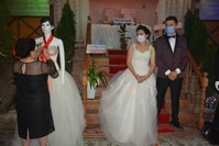 الدمية بدل العروس لتلقي النقوط IHA