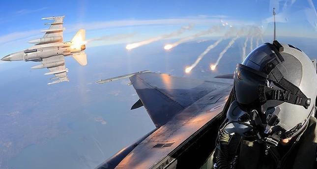 المقاتلات التركية تقصف مواقع تنظيم ب ي د/ بي كا كا الإرهابي في عفرين