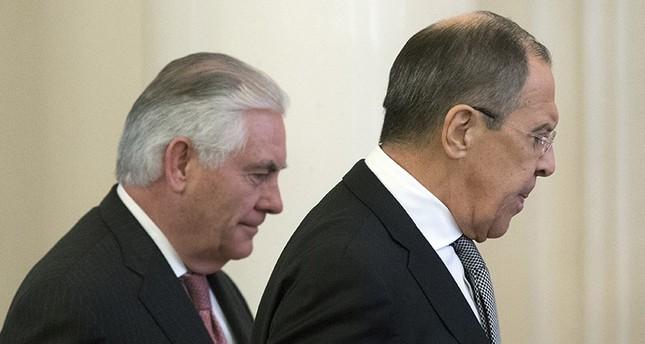 لافروف وتيلرسون يبحثان مناطق حظر الطيران في سوريا