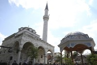 Bosnia's war-battered mosques rise from ashes