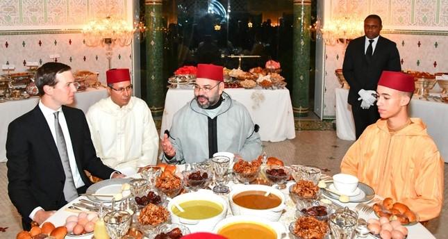 العاهل المغربي يقيم مأدبة إفطار على شرف كوشنر مستشار ترامب (الفرنسية)