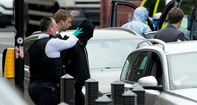 Polizei nimmt bewaffneten Mann in London fest