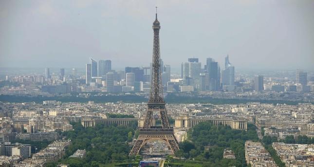 فرنسا تحاكم 7 أشخاص بتهمة السطو المسلح على موكب أمير سعودي