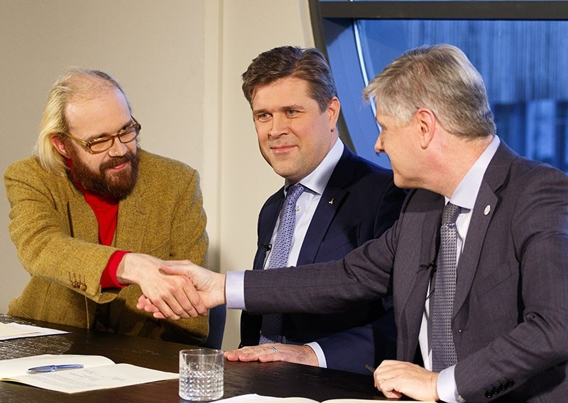 Ottarr Proppe (L), leader of Bright Future party, Bjarni Benediktsson (C), leader of the Independence Party, and Benedikt Johannesson, leader of the Reform party introduce a new coalition agreement in Reykjavik, Iceland, Jan. 10, 2017 (EPA Photo)