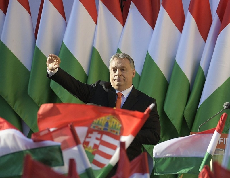 President of the ruling Fidesz party, Prime Minister Viktor Orban waves as he attends the final electoral rally of Fidesz in Szekesfehervar, some 63km southwest of Budapest, Hungary, April 6, 2018. (EPA Photo)
