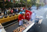 نيويورك.. طعام تركي مجاني في الليلة الوطنية لمكافحة الجريمة