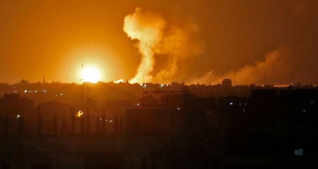 الجيش الإسرائيلي يواصل غاراته الجوية ويهدد باستهداف قائد حماس بغزة