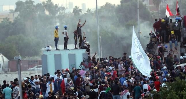 محتجو العراق يسيطرون على ساحة الخلاني على مقربة من المنطقة الخضراء