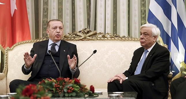 أردوغان في مؤتمر صحفي مشترك مع نظيره اليوناني (الفرنسية)